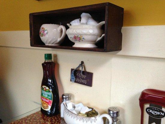 Priscilla's: sweet decor