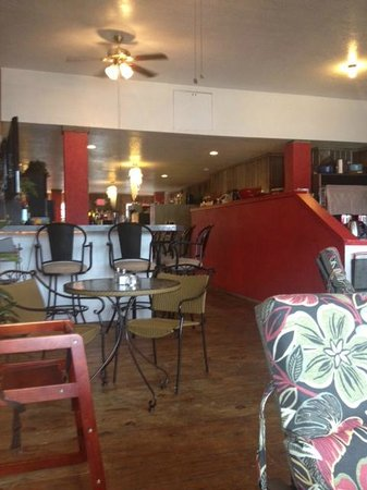 Kelly's Cantina: cluttered interior