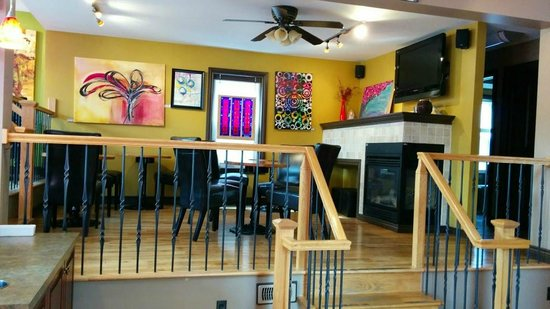 the Grind Cafe & Espresso Bar: Tons of space to sit in, both upstairs and down. There's even a fireplace.