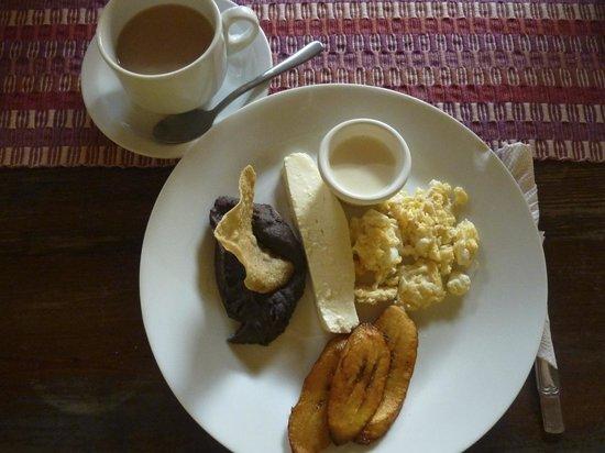 Comedor y Pupuseria Mary : Breakfast