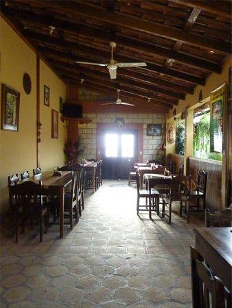 Comedor y Pupuseria Mary : Between meals