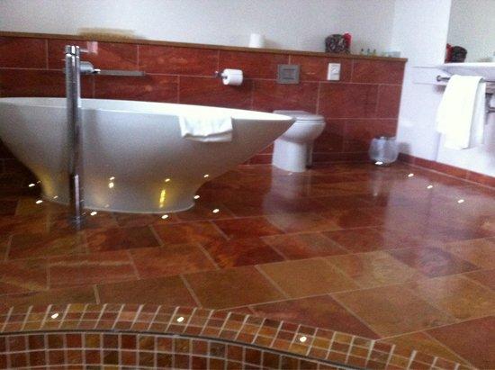 Sea Marge Hotel: Bathroom room 7