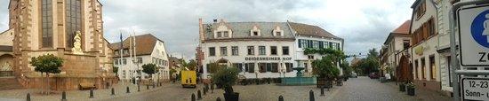 Deidesheimer Hof: ホテル正面