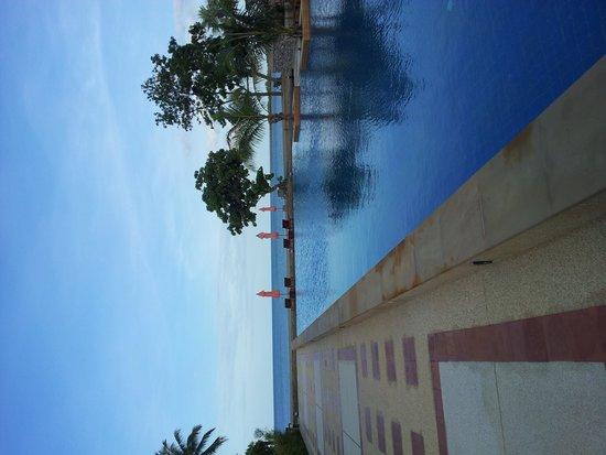 Sirarun Resort: Pool+Beach