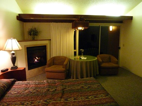 Ragged Point Inn and Resort: Cozy