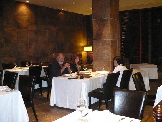 Hotel Cabo de Hornos: Restaurant