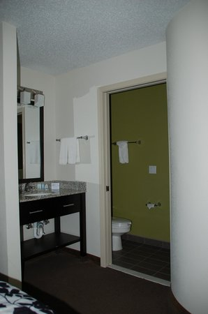 Sleep Inn : Bathroom area
