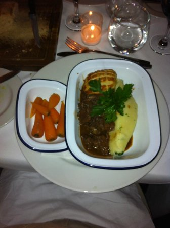 Back Street Bistro: Beef in wine sauce
