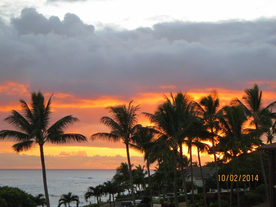 Lawai Beach Resort: Sunset from our Lanai