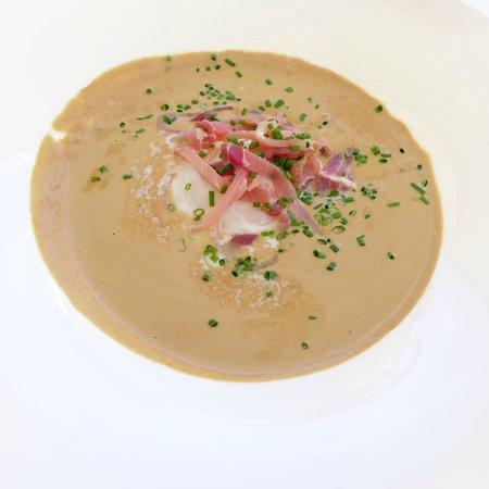 Le Pre aux Clercs : Mushroom soup
