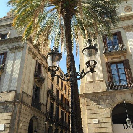 Hotel DO: Placa Reial entrance