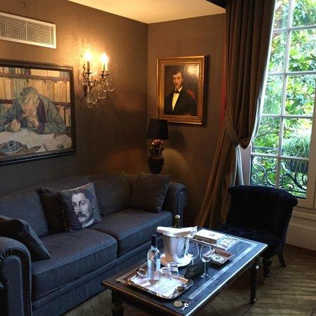 Saint James Paris - Relais et Chateaux: Downstairs living room of duplex junior suite