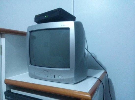 """Dallas Hotel : TV 14"""" de tubo"""