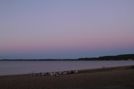 Grand Beach Resort Hotel: Sunset from beach