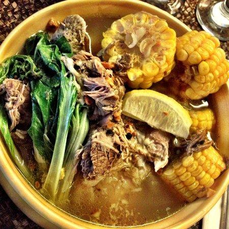 T House Tagaytay: Beef Shank Bulalo