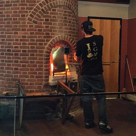Sandwich Glass Museum : Glass Blowing Demo