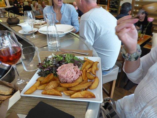 Bakery & deli-cafe bread and roses : steak tartare