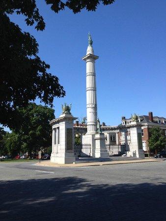 Monument Avenue: Jefferson Davis Monument
