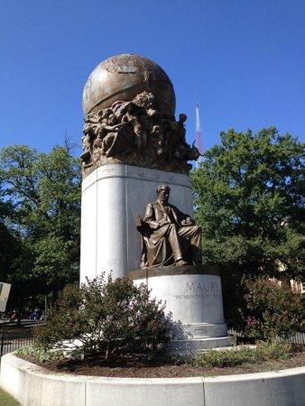 Monument Avenue: Matthew Fontaine Maury monument