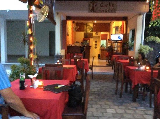 Carliz Art Cafe: Charming cafe