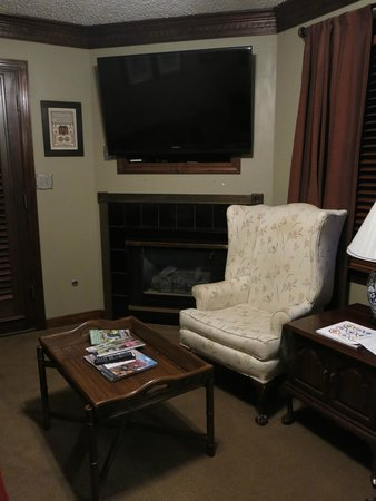 Williamsburg Sampler Bed and Breakfast: Prince William Suite