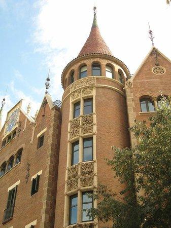 Photo of casa de les punxes taken with tripadvisor city guides casa de les punxes barcelona - Casa de las punxes ...