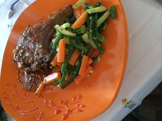Hotel Artisan: Pork in Tomato Sauce with Vegetables