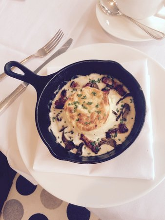 Luxe Calistoga: 4th course of our breakfast- leek souffle with bacon lardons, gruyere cheese and wild mushrooms