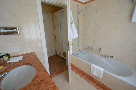 Park Hotel Delta Wellbeing Resort : Badezimmer