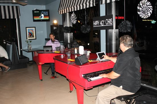Jersey's On Main: Dueling Pianos