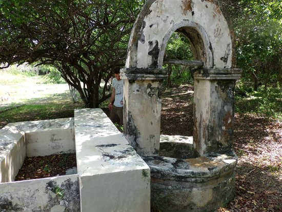 Hacienda Mundaca: Ruins