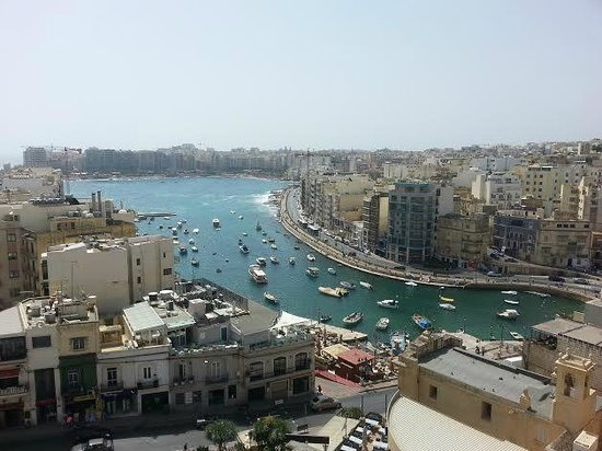 Argento Hotel: Spinola Bay view from roof