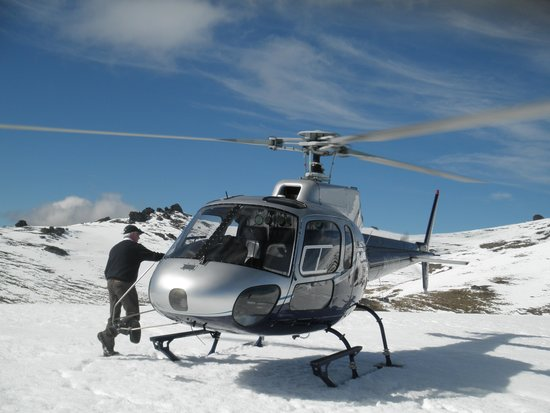 Wanaka Helicopters: On the snow