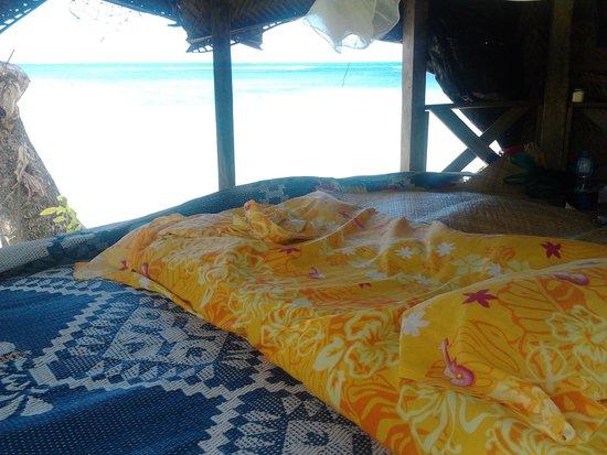 Regina's Beach Fales 사진