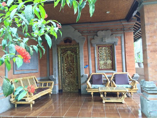 Pondok Permata Homestay: Private terrace / chill-out area