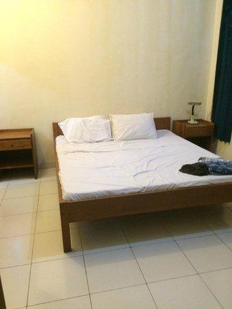Secret Garden Inn: 1st Bedroom