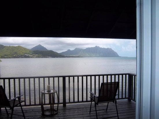Paradise Bay Resort Hawaii : view of Kaneohe Bay from our room