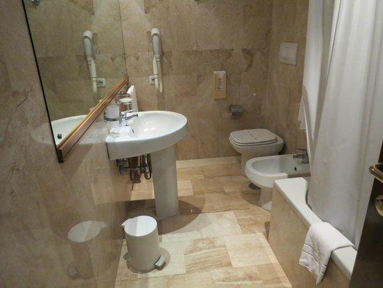 Hotel Residence Miramare: bathroom