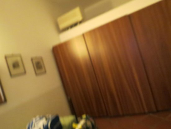 Hotel Residence Miramare: closet
