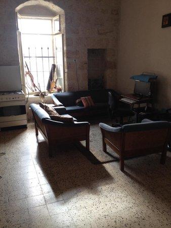 Bethlehem Youth Hostel : Living Room