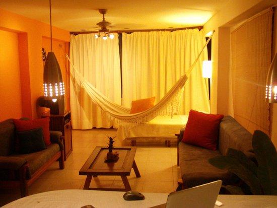 Costa Real Suites: Sala de Habitacion