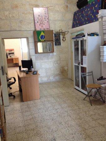 Bethlehem Youth Hostel : Entry