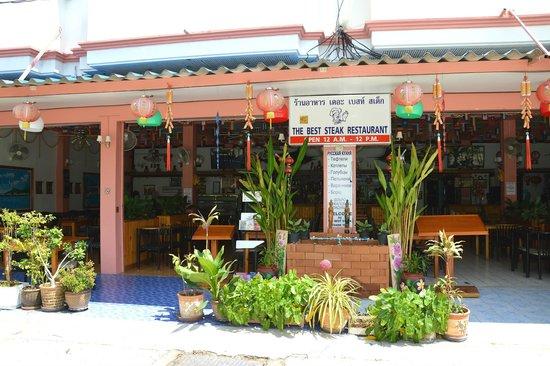 Pinnacle Grand Jomtien Resort: отличное кафе