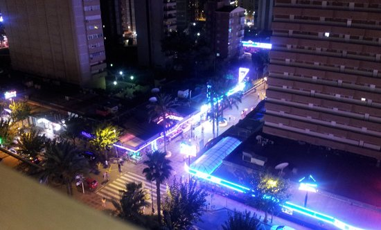 Servigroup Orange Hotel: night life