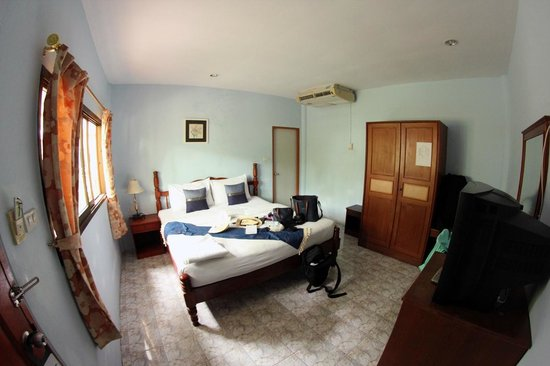 Andaman Resort: Room