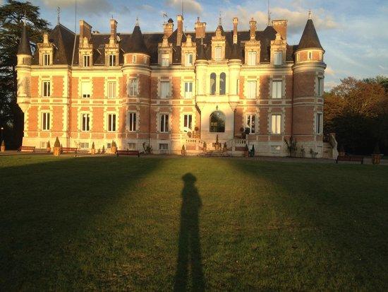 Hôtel Club Vacanciel La Ferté-Imbault : Château, avant le coucher du soleil