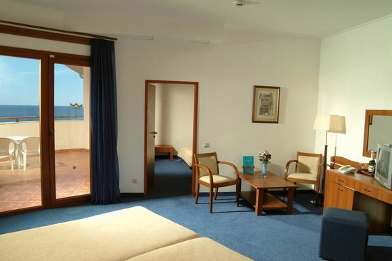 Hotel Riu Helios Bay: Room