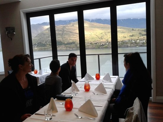 Shores Restaurant: Our view as good as the meal