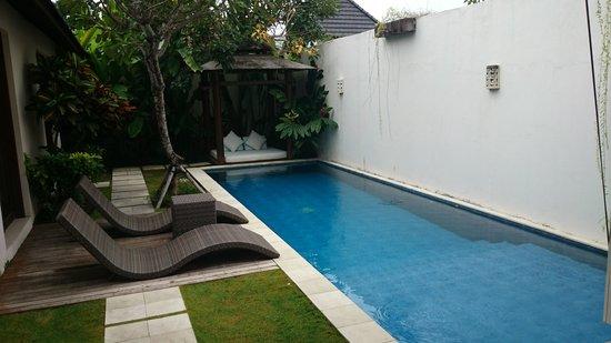 Arama Riverside Villas: private pool