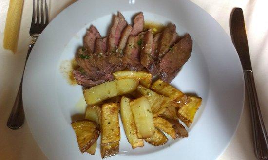 Trattoria Podazzera : Petto d'oca con patate al forno